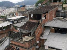 No Brasil, a pobreza é negra e a renda mínima é menor que as despesas